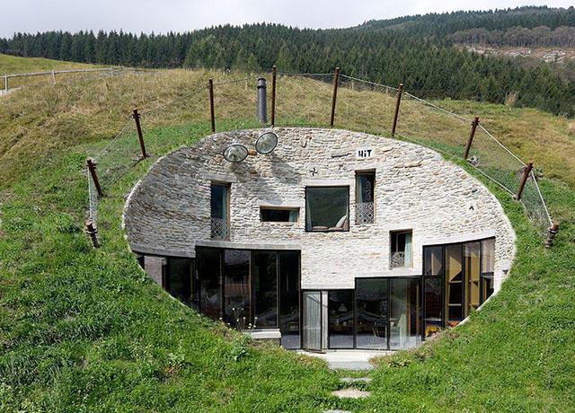 habitations-insolites-en-Suisse-1.jpg